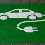 Elektroauto Rreichweite-Parkplatz